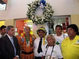 Edgar Jhony Ramos of CDS and other Salvadoran Rescue teams remember 1986.