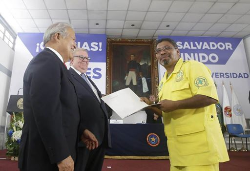 Comandos Awarded Recognition by President of El Salvador