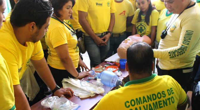 COMANDOS CAPACITA A VOLUNTARIOS