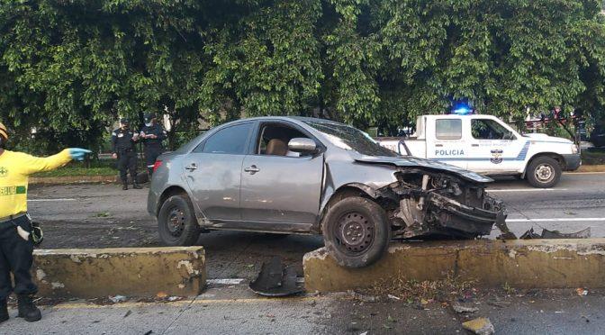 POLICIAS LESIONADOS EN ACCIDENTE